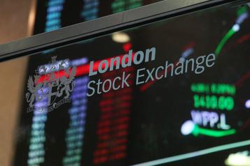Les places boursières en hausse)