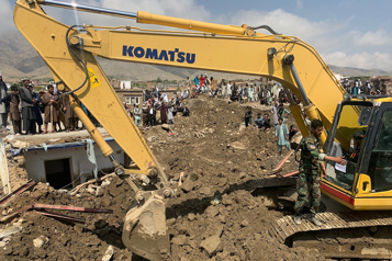 Afghanistan Le bilan d'une crue-éclair grimpe à 60morts, 180 disparus)