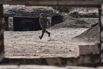 Conflit au Nagorny Karabakh Arméniens et Azerbaïdjanais s'accusent de nouvelles attaques)