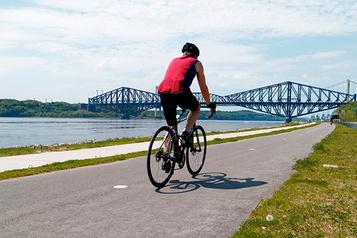 Gouvernement du Québec COVID-19 : On profite de l'été en continuant de se protéger !)
