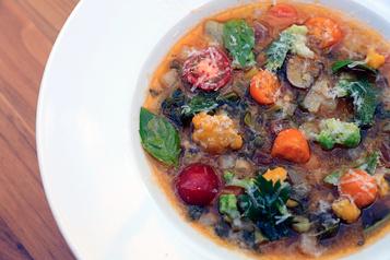 Soupes: le réconfort àla cuillère)