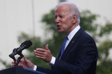 Négociations intensives de Joe Biden pour faire adopter ses grandes réformes