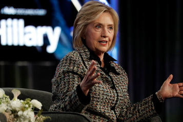 «Personne ne l'aime»: Hillary Clinton s'attaque à Bernie Sanders