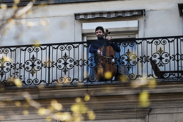 Musique au balcon pour un moment d'évasion