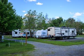 Campings et chalets: Québec encourage le tourisme «à courte distance» )