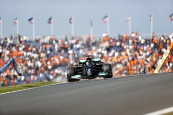 Lewis Hamilton domine la première séance d'essais libres aux Pays-Bas)