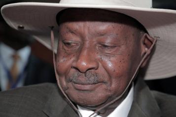 Ouganda Réseaux sociaux et messageries coupés à l'approche des élections)