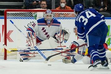 Les Rangers défont les Maple Leafs