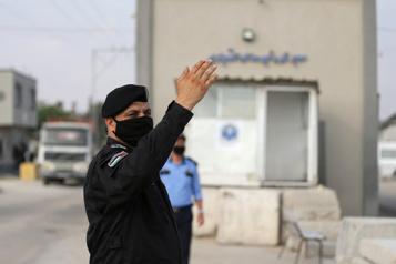 Israël referme un point de passage vers Gaza après des tirs d'obus)