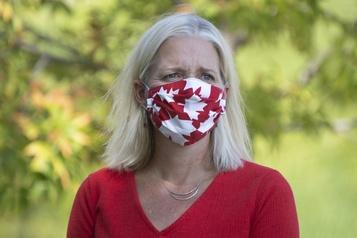 Catherine McKenna dénonce l'intimidation des femmes en politique)