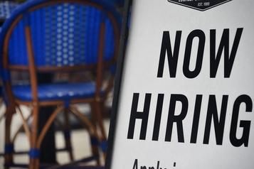 Le taux de chômage recule à 10,2% aux États-Unis)