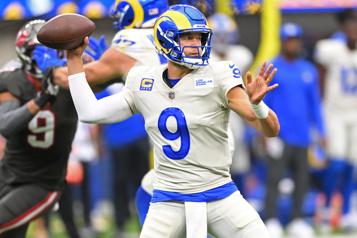 Stafford et les Rams battent les Buccaneers)