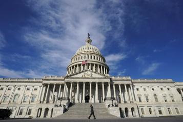 Adoption à la Chambre Le vaste plan de relance Biden franchit une première étape)