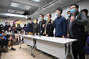 Hong Kong Les militants prodémocratie au pied du mur)