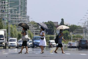 Corée du Nord Pyongyang étouffe sous des températures élevées)