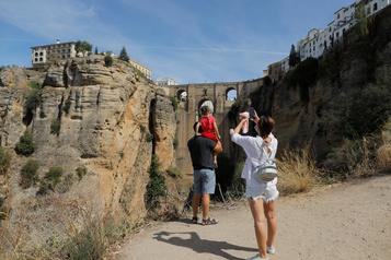 Baisse de 75% Le tourisme s'effondre en Espagne)