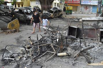 Inde: deux morts dans des émeutes après une publication Facebook sur Mahomet)