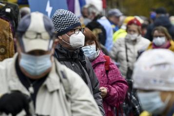 Finlande: faible contamination, forte reprise économique)