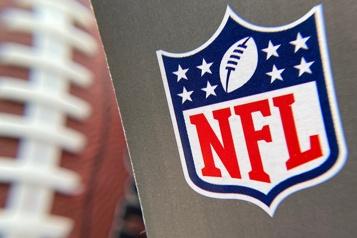 Le calendrier de la NFL passera à 17matchs)