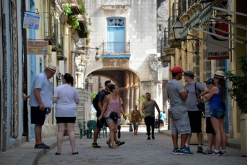 Moins de touristes à Cuba en 2019)