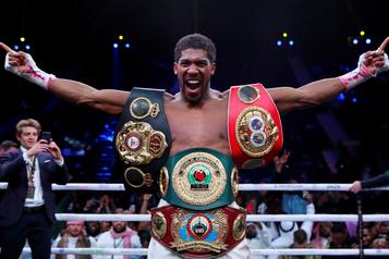 Boxe: le promoteur de Joshua ne veut pas de huis clos face à Pulev)