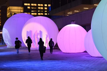 Montréal en lumière  Une Nuit blanche à domicile )