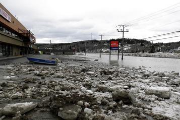 Inondations en Beauce: la SQ disperse les curieux