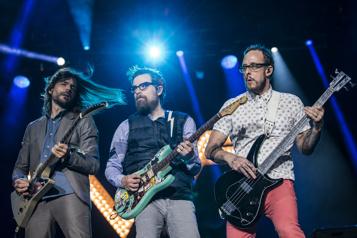 Weezer La guitare d'abord ★★★ )