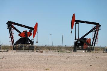 Le pétrole recule dans un marché tourné vers le prochain sommet OPEP+)