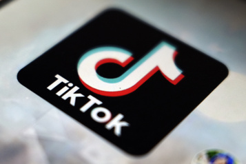 Italie Enquête sur la mort d'une fillette lors d'un défi sur TikTok)