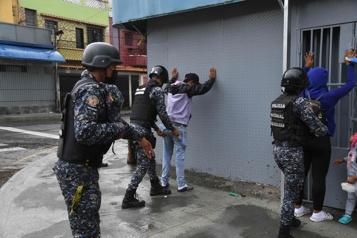 Des gangs sèment la terreur au Venezuela)