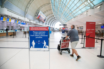 Les frontières du Canada resteront fermées jusqu'à la fin novembre)