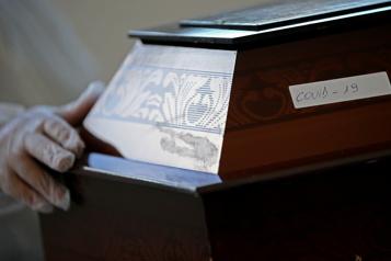 COVID-19 Le bilan du Brésil dépasse la barre des 400?000?morts)