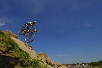 Vélo de montagne : la Coupe du monde de Mont-Sainte-Anne est annulée)