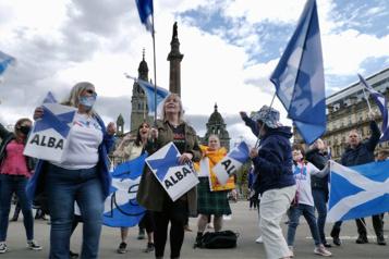 Référendum en Écosse Un bras de fer se dessine entre Londres et Édimbourg)