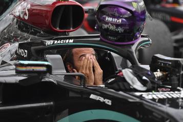 Vaccins: Lewis Hamilton «mal interprété» après le partage d'une vidéo )