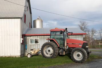 Un cortège de tracteurs en direction des édifices du CN