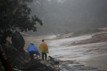 Après avoir frappé l'Amérique centrale, la tempête Eta s'approche de Cuba)