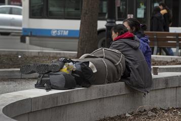 Services réduits et problèmes exacerbés pour les jeunes de la rue)
