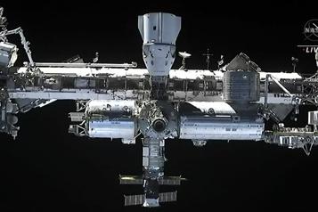 Le premier équipage 100% privé s'entraîne pour la Station spatiale )