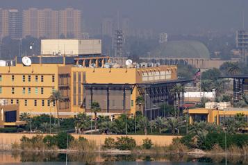 Irak: une roquette s'abat près de l'ambassade américaine à Bagdad)
