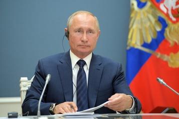 Poutine dénonce les nouvelles sanctions visant à «étouffer» la Syrie)