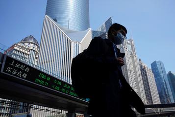 Peur d'une seconde vague du virus: Shanghai referme ses sites touristiques