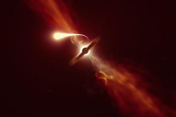 La «spaghettification» d'une étoile par un trou noir suivie en temps réel)