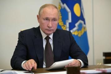 COVID-19 Poutine admet l'existence de «dizaines» de malades dans son entourage)