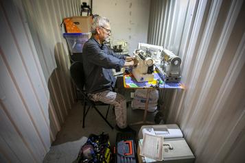 L'homme qui réparait les machines à coudre)