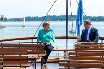 Angela Merkel met en scène son successeur potentiel)