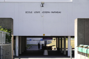 École Louis-Joseph-Papineau Le «bunker» aura finalement desfenêtres)