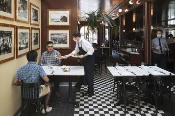 Une reprise inégale dans les restaurants de Montréal )
