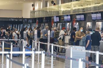 Compagnies aériennes Une «prime COVID» salée attend les voyageurs)